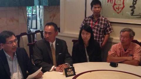 7月14日 UBC记者会谴责FOX电视台Bob Beckel反华裔言论