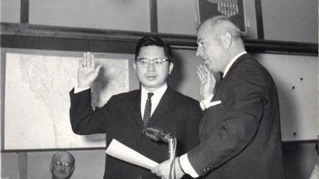 人物   圣地亚哥首位亚裔议员——谭卓仪先生的传奇