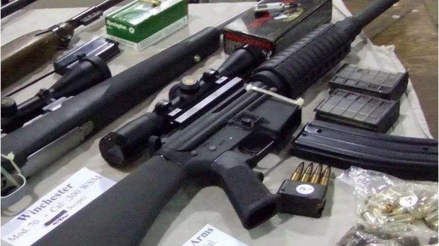 多大代价才能谈控枪?19岁不能买啤酒却能买杀人武器?