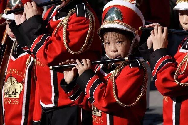 为什么华裔第一代和第二代有那么大的反差?