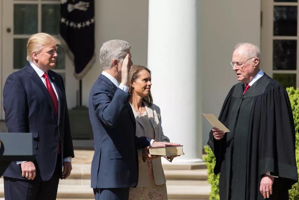 特朗普公布大法官人选,再谈肯尼迪退休和背后的利益纠葛