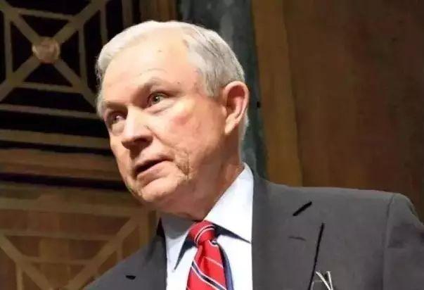 川普内阁传   司法部长Jeff Sessions:华盛顿反H-1B反移民头号种子选手