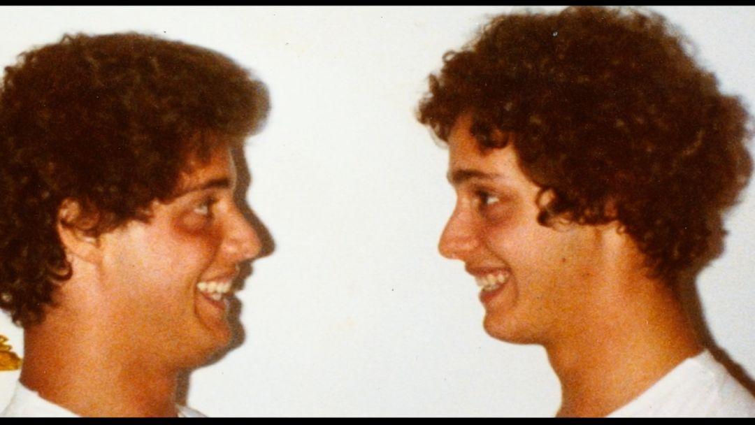 三胞胎的戏剧人生:情节比故事片更跌宕起伏的纪录片