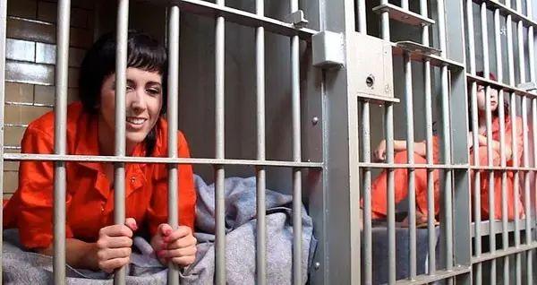 我在美国监狱当心理治疗师