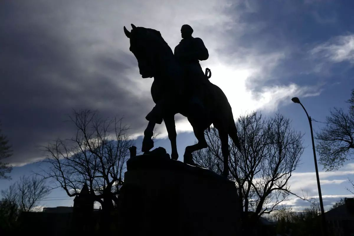 历史轮回,凛冬又至,风暴中李将军塑像背后的真相?
