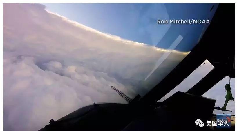 图姐 | 从天到地,冒险家镜头下的飓风艾玛和洪水滔天
