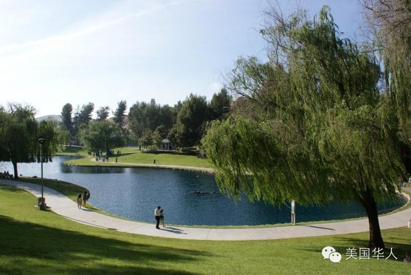 漫步在美国社区公园