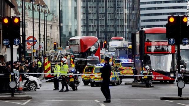 图姐 | 英议会前发生10年来最严重恐袭致5死40余伤/美国威斯康星州发生枪击案造成4人死亡