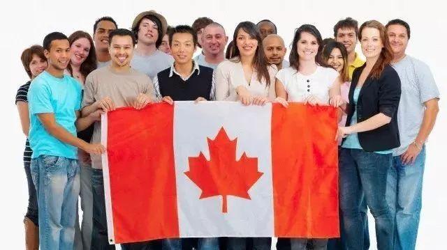 """加拿大穆斯林女孩撒谎事件与中国新移民的""""自我构陷"""""""