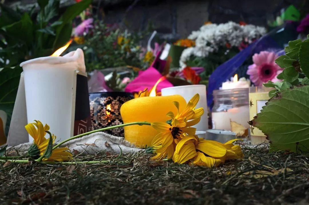 枪击之后,美国大学生家长群关于控枪与否的一场讨论