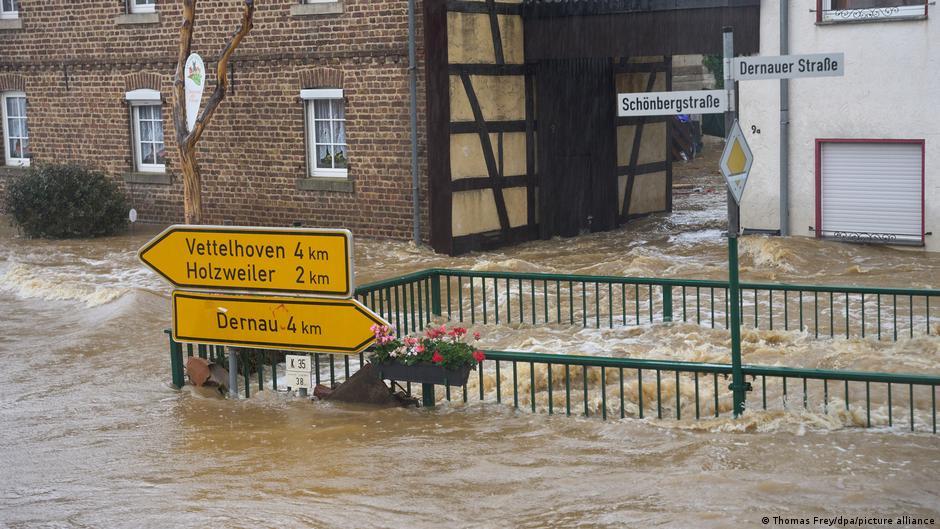"""""""在德国 7月份的洪灾中,重灾区多特蒙德市也有一条公路隧道被洪水淹没"""""""